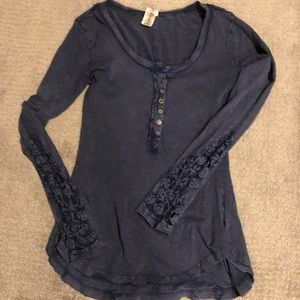 Free people shirt with lace detail
